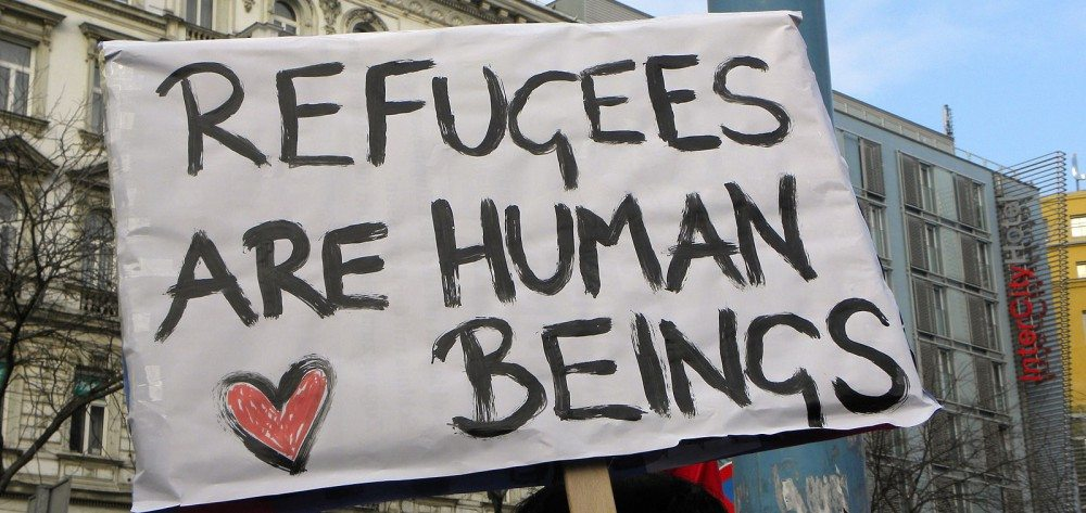 Refugeesare human beings