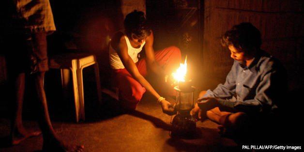 TO GO WITH Lifestyle-India-economy-energ